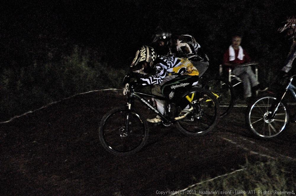 "11\""JOSF JAPAN Open Night Race VOL4:MTBエリート決勝 動画有り_b0065730_10182832.jpg"