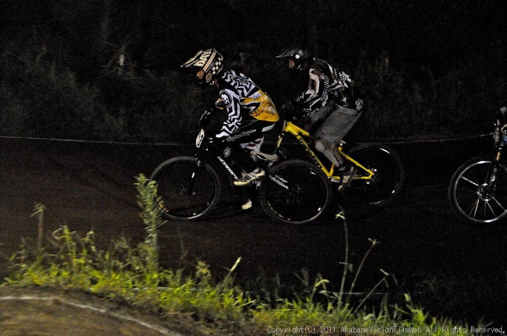 "11\""JOSF JAPAN Open Night Race VOL4:MTBエリート決勝 動画有り_b0065730_10184027.jpg"