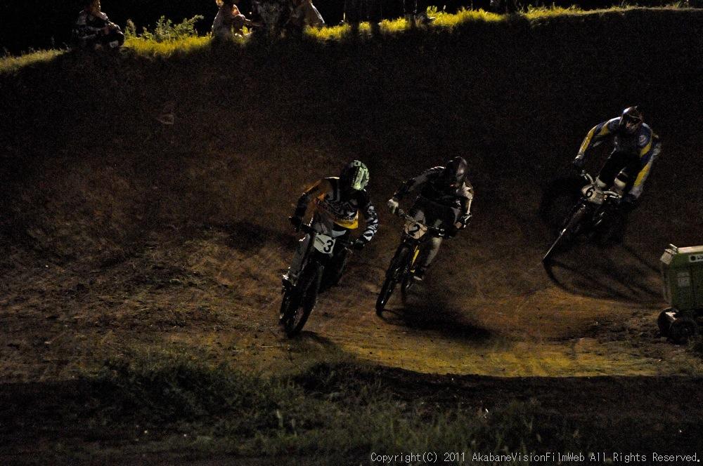 "11\""JOSF JAPAN Open Night Race VOL4:MTBエリート決勝 動画有り_b0065730_10195769.jpg"