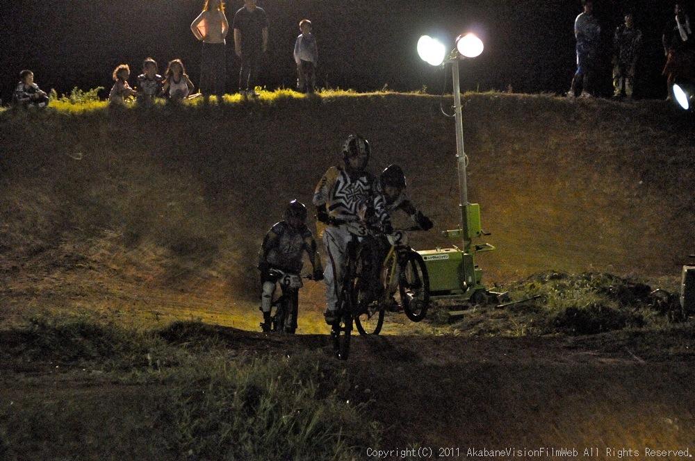 "11\""JOSF JAPAN Open Night Race VOL4:MTBエリート決勝 動画有り_b0065730_1020114.jpg"