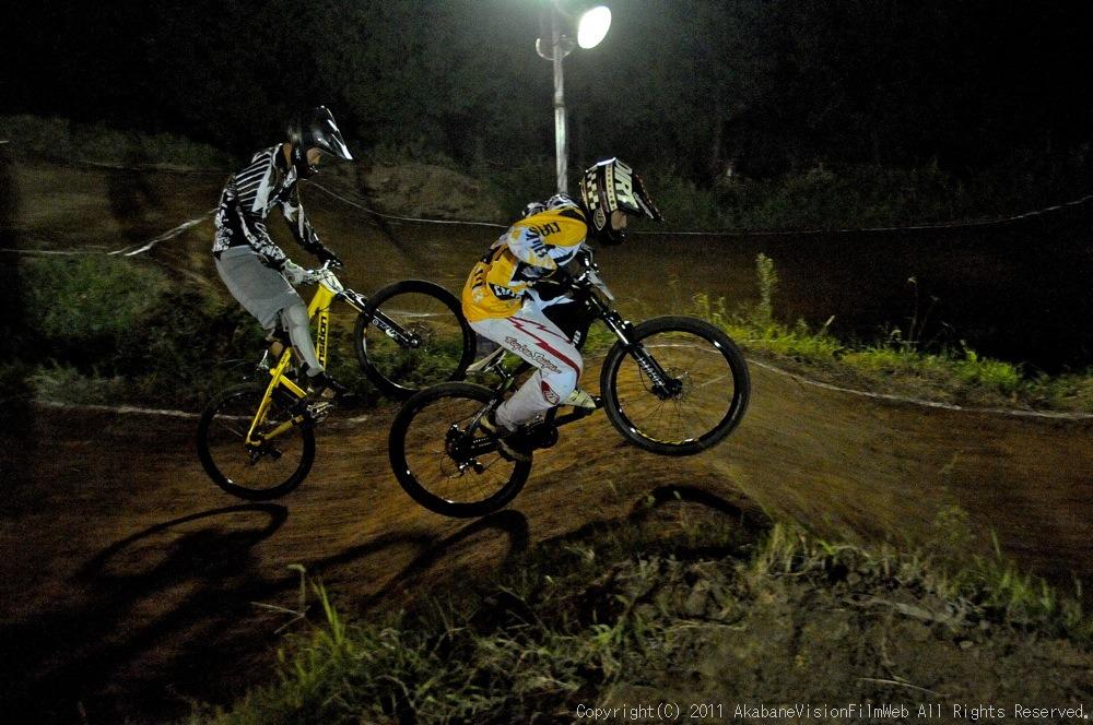 "11\""JOSF JAPAN Open Night Race VOL4:MTBエリート決勝 動画有り_b0065730_10213740.jpg"