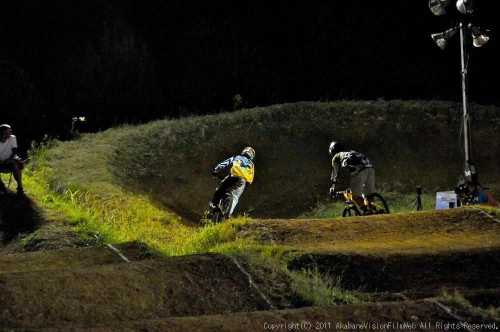"11\""JOSF JAPAN Open Night Race VOL4:MTBエリート決勝 動画有り_b0065730_10232399.jpg"