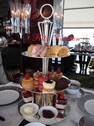Ritz CarltonでAfternoon Tea_d0088196_18174583.jpg