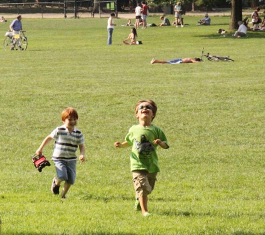 初秋のセントラルパーク、シープ・メドーの芝生でゴロ寝_b0007805_12433861.jpg