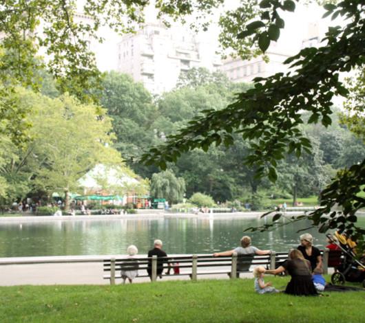 初秋のセントラルパークをお散歩してリラックス_b0007805_8362428.jpg