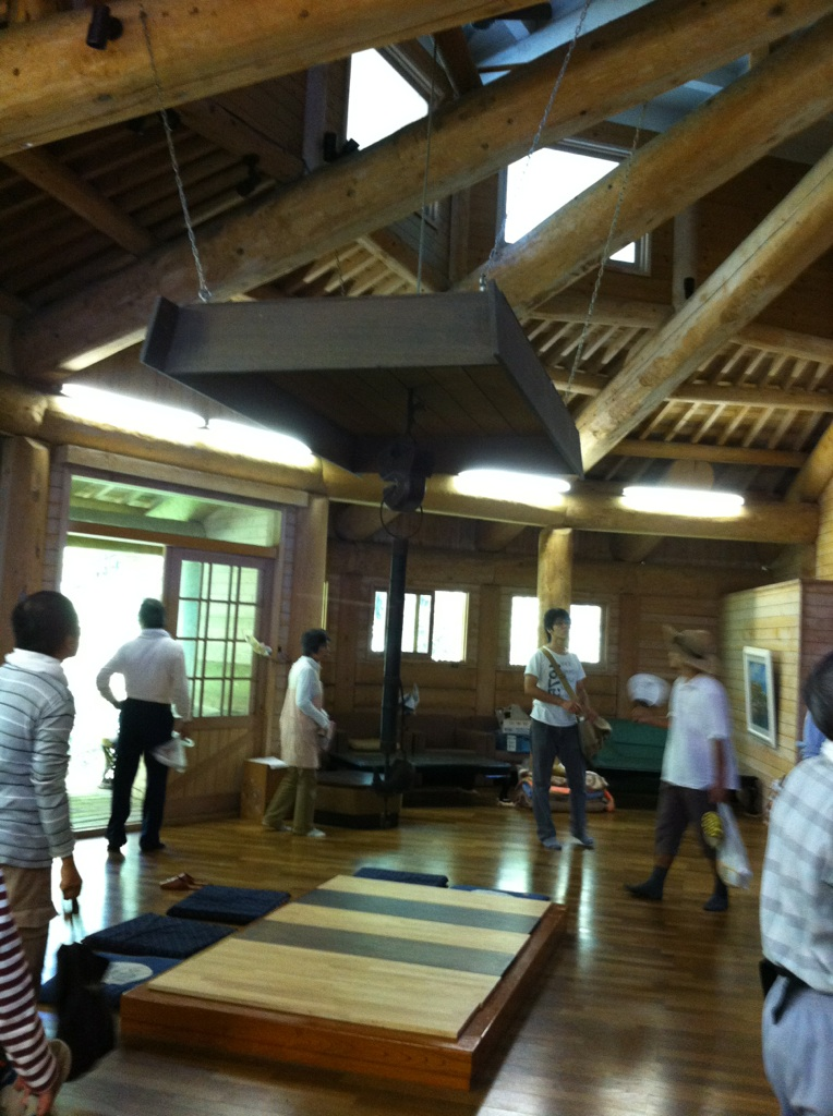 信仰里高賀の「瞑想の館」_a0026530_157128.jpg