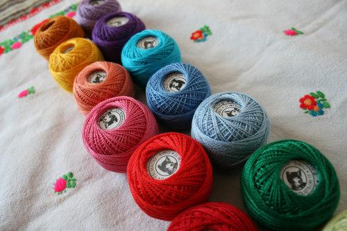 刺しゅう糸に新色が加わりました。_b0142544_3235424.jpg