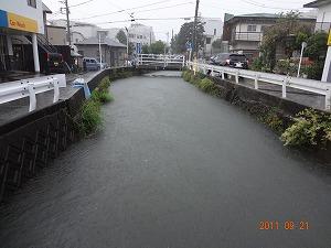 台風直下、河川増水中!_d0050503_1616585.jpg