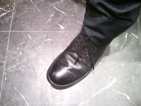 本日のスタッフの靴は??_b0226322_1893364.jpg