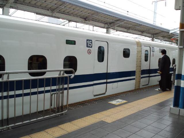 新幹線_c0151965_13365216.jpg