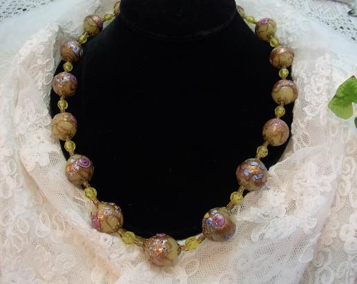 素敵な手彩色ガラスのネックレスです...._d0127182_15552520.jpg