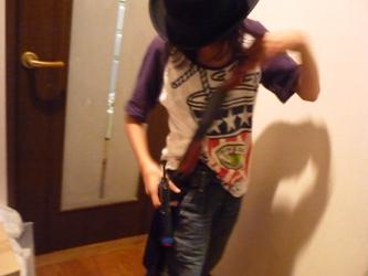 工作マニアの小学生、本日は「拳銃の魔術師」。_e0188087_2150296.jpg