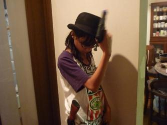工作マニアの小学生、本日は「拳銃の魔術師」。_e0188087_21525714.jpg