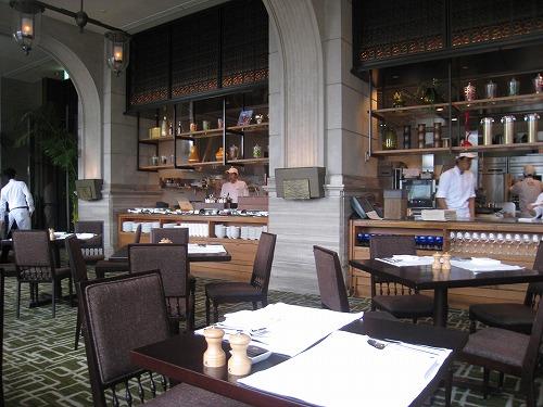 8月 神戸旧居留地オリエンタルホテル MAIN DINIINGで朝食_a0055835_15593363.jpg