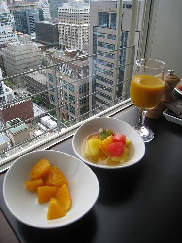 8月 神戸旧居留地オリエンタルホテル MAIN DINIINGで朝食_a0055835_1610960.jpg
