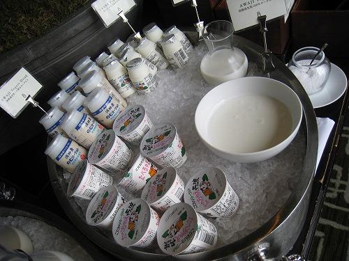 8月 神戸旧居留地オリエンタルホテル MAIN DINIINGで朝食_a0055835_1633576.jpg