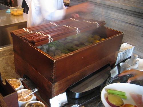 8月 神戸旧居留地オリエンタルホテル MAIN DINIINGで朝食_a0055835_1635575.jpg