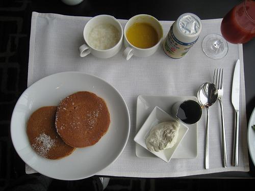 8月 神戸旧居留地オリエンタルホテル MAIN DINIINGで朝食_a0055835_165884.jpg