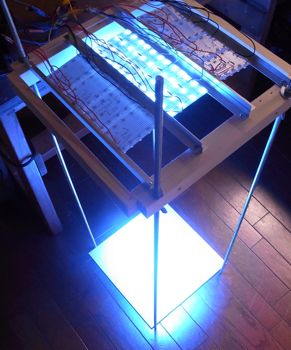 LED促成栽培装置稼働開始_c0063348_6165556.jpg