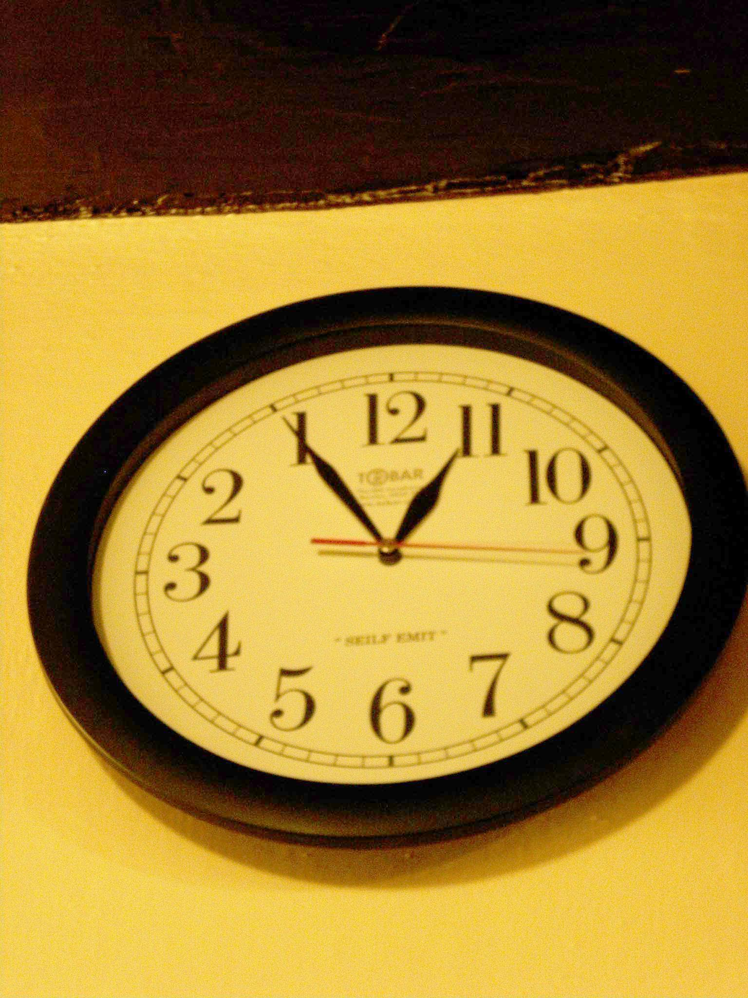 床屋さんの逆さま時計★★★_c0179785_15574922.jpg