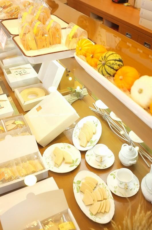 お米のケーキ&バームクーヘン コメル_f0050534_17343787.jpg