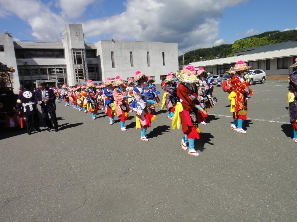 砥森神社例祭(渡御)_c0111229_1941352.jpg