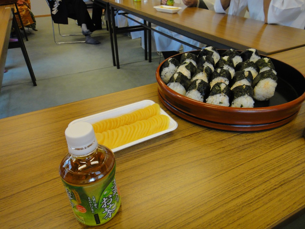 砥森神社例祭(渡御)_c0111229_1943845.jpg