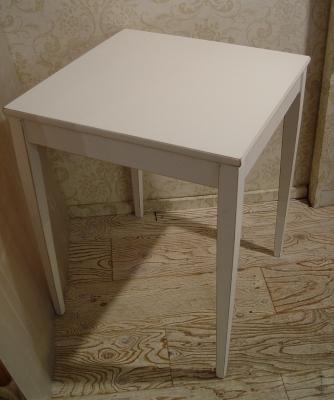 こげ茶ベロア・木アーム1Pソファーと、白い木製テーブル 入荷!!_a0096367_2161847.jpg
