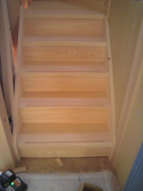 桧の階段_f0052181_0422224.jpg
