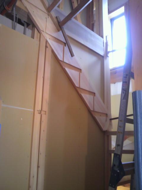 桧の階段_f0052181_0422289.jpg