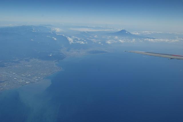 富士山と駿河湾・・・・・・(2/2)_d0181492_2350271.jpg