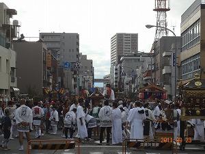 日枝神社祭典終了!_d0050503_12431253.jpg