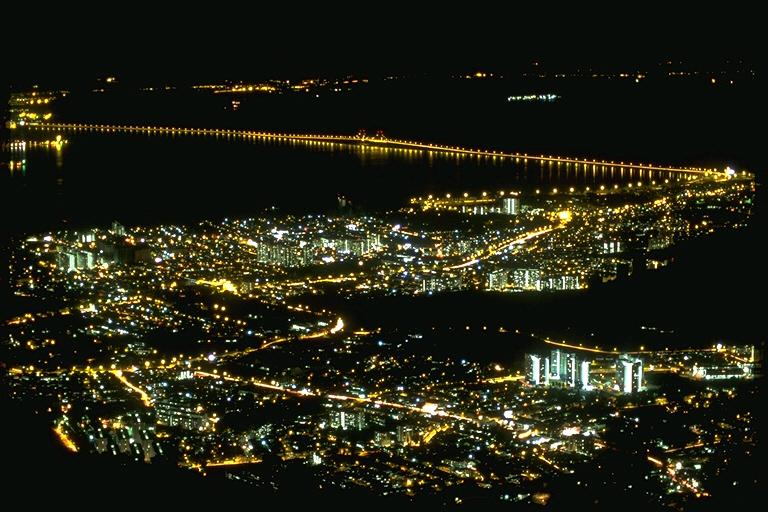 琵琶湖大橋ではない_c0181552_1018241.jpg