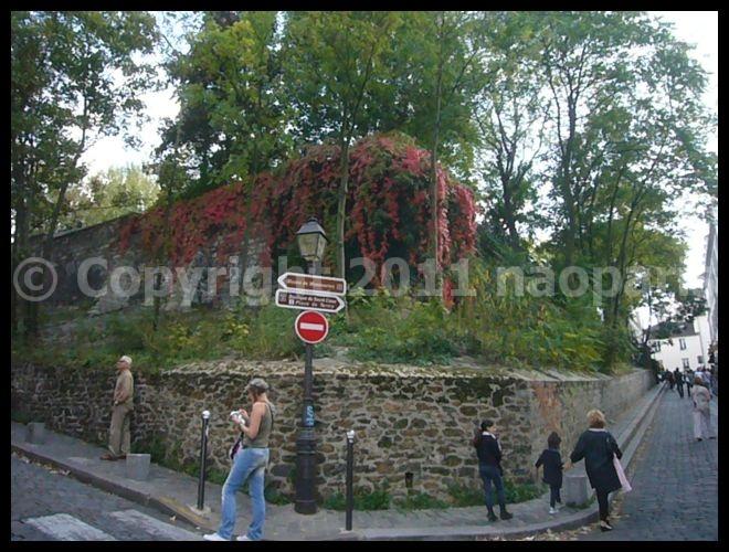 【モンマルトルの丘】9月25日日曜日のモンマルトル(PARIS)_a0008105_20114392.jpg
