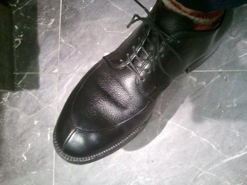 本日のスタッフの靴は??②_b0226322_19573773.jpg