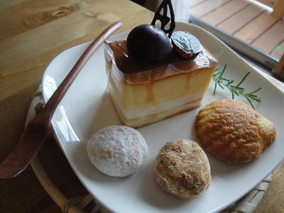 明日のケーキ♪_e0170128_14131110.jpg