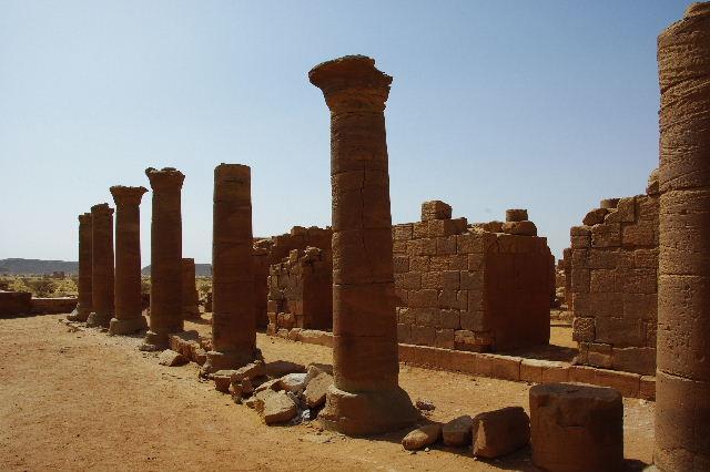 【スーダン周遊】 ムサワラット遺跡 (3) 象の神殿 _c0011649_0435857.jpg