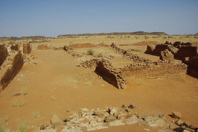 【スーダン周遊】 ムサワラット遺跡 (3) 象の神殿 _c0011649_0461660.jpg