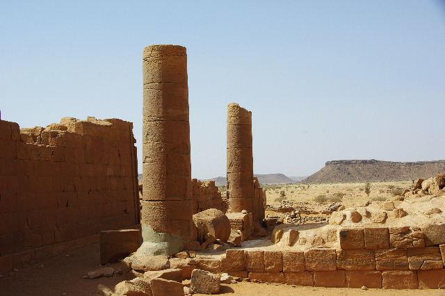 【スーダン周遊】 ムサワラット遺跡 (3) 象の神殿 _c0011649_057341.jpg