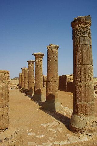 【スーダン周遊】 ムサワラット遺跡 (3) 象の神殿 _c0011649_059828.jpg