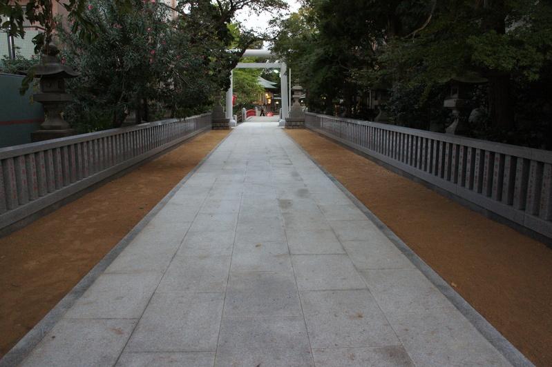松戸神社 参道改修工事  2011.9.24_e0223769_16334662.jpg