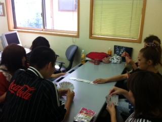 訓練生のお昼休み風景。_c0200506_14461011.jpg