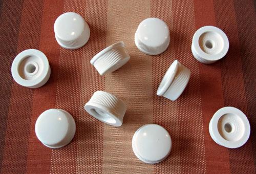 「Daka Ware製の白いCupcake Knobs」を再入手ッ!_e0053731_19361250.jpg