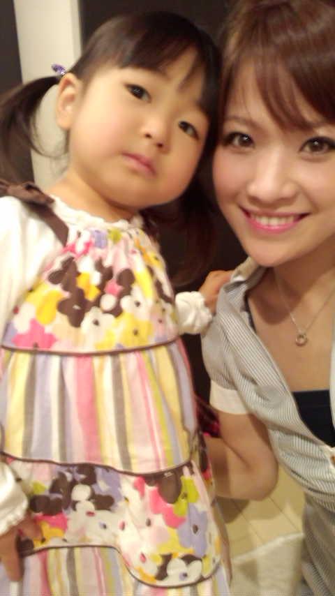 今日はビューティーナビで一緒の岸佳奈子chan宅でえいひれパーティーした... えいひれパーティ