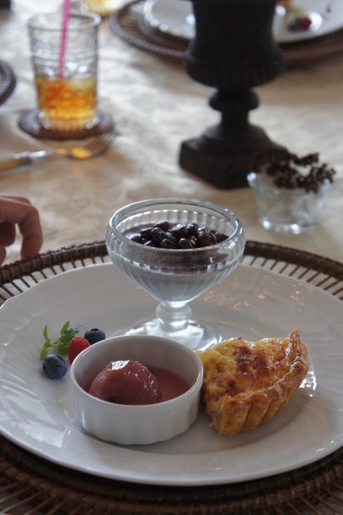 美味しいキッシュと黒ゴマプリン♡_d0210450_16175825.jpg
