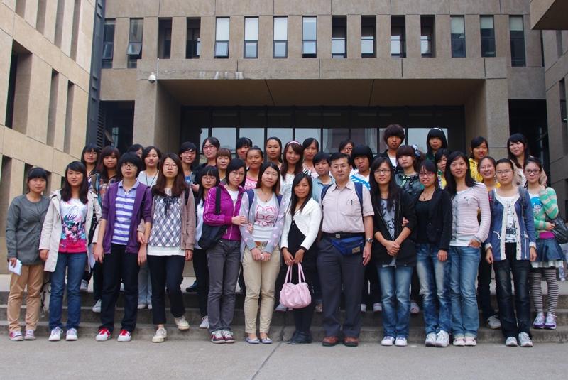 漢語角参加者越智優さん 湖南大学を訪問、学生に講演_d0027795_2251544.jpg