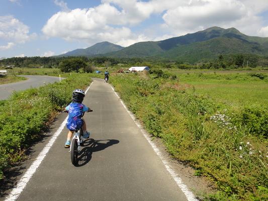 家族でサイクリング_c0132901_20134938.jpg