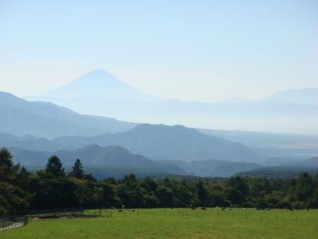 秋晴れの山々_f0064906_1650135.jpg