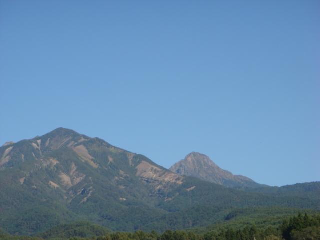 秋晴れの山々_f0064906_1654980.jpg