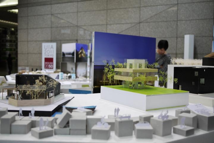 新宿パークタワー 世界住宅会議 模型出展中!_e0189939_12373895.jpg